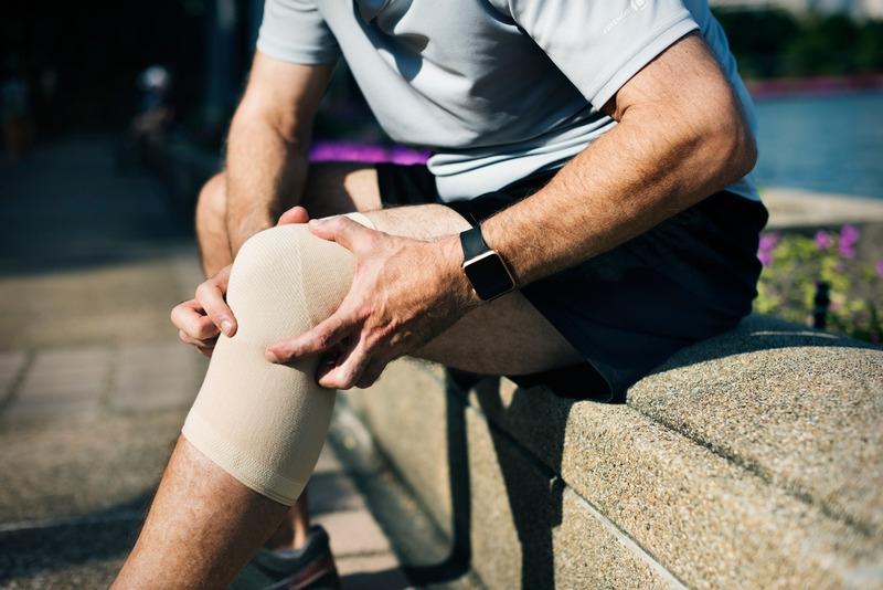 Distorsione al ginocchio: ecco come recuperare